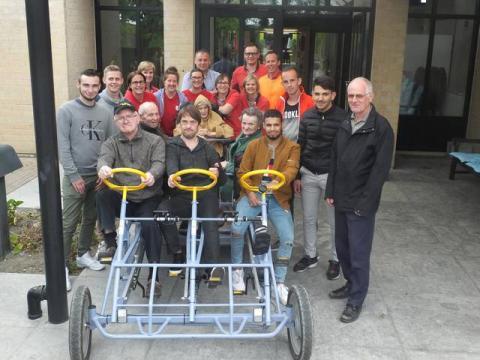 Go-cart Sint Jozef rusthuis rijdt voortaan elektrisch dankzij VTI DEINZE