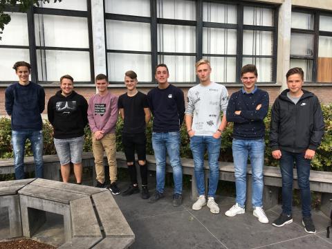 Oscar Vanhoucke (5BH), Yumani Van Kersschaver (6AT), Wannes Vanquaethem (6EIT), Kenny de Witte (5BA), Sammy De Greve (5EIT), Matisse Van den Abeele (5AT), Dries Van Wonterghem (5AT), Viktor De Dobbelaere (5BH)